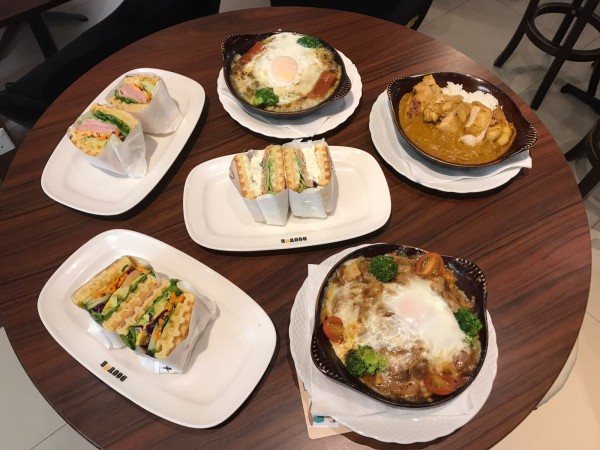 Doutor Coffee – Wafflewich, Baked Rice & Dessert in CBD